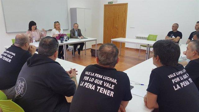 Gastón se muestra optimista con el plan especial de inserción de los 400 trabajadores de las subcontratas de la térmica
