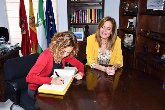 N.Prensa Visita De La Ministra Meritxell Batet A Osuna