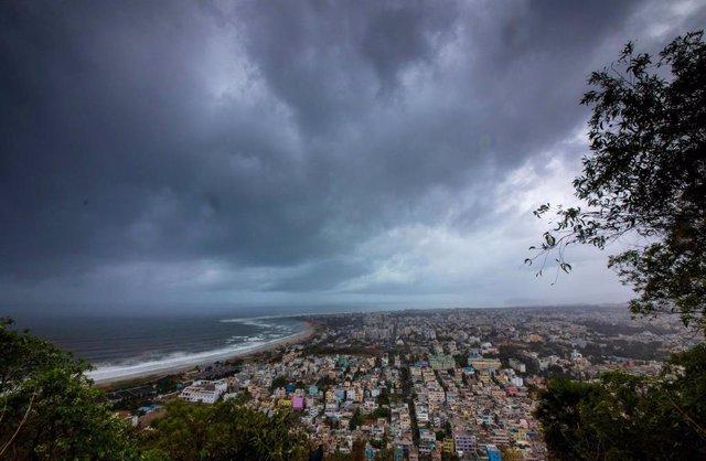 AMP.- India.- India planea evacuar a 800.000 personas por la llegada del ciclón 'Fani'