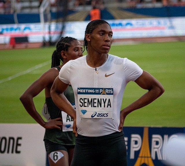 """La norma sobre testosterona para atletas femeninas """"se arriesga a establecer un"""