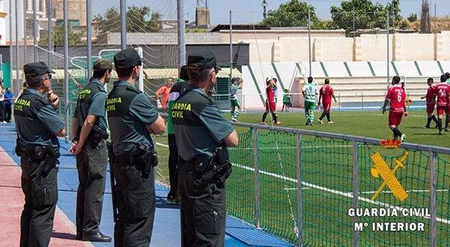 Almería.-Sucesos.-Denuncian a un futbolista por agredir a un árbitro tras un partido de juveniles en los vestuarios