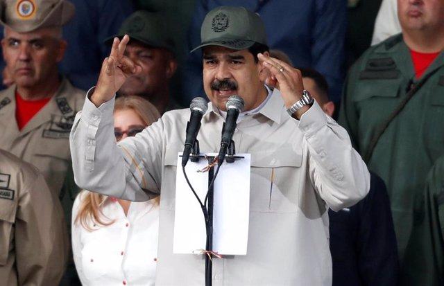 """Maduro cree demostrado que """"el golpismo"""" no es """"el camino para Venezuela"""""""