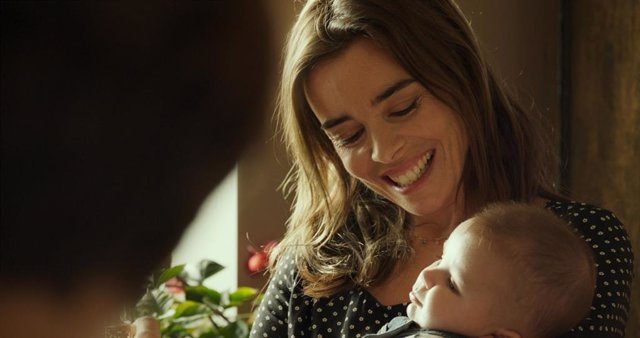 """Jeanne Herry dirige 'En buenas manos': """"No querer tener hijos no significa ser incompleto"""""""