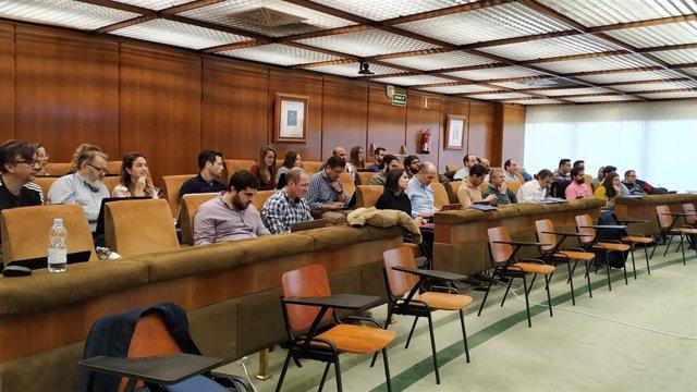 Sevilla.- Unos 30 jóvenes andaluces se forman en inteligencia artificial en la sede de Endesa