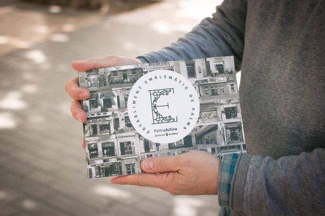 PalmaActiva lanza un libro con las fichas de los 78 comercios del catálogo de establecimientos emblemáticos de 2018
