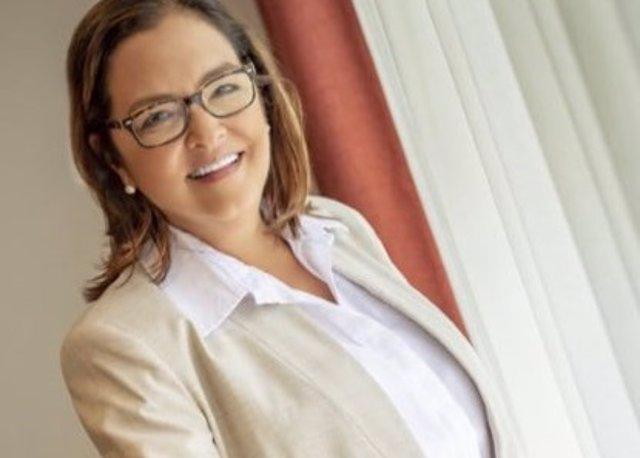 Bukele nombra a Alexandra Hill nueva canciller de El Salvador