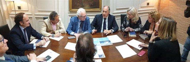 Cádiz.- Junta, Puerto de Algeciras y Ayuntamiento establecerán un nuevo marco de colaboración