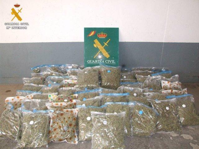 Zaragoza.- Sucesos.- A prisión por transportar 76 kilos de marihuana por la A-2 en dirección a la capital aragonesa