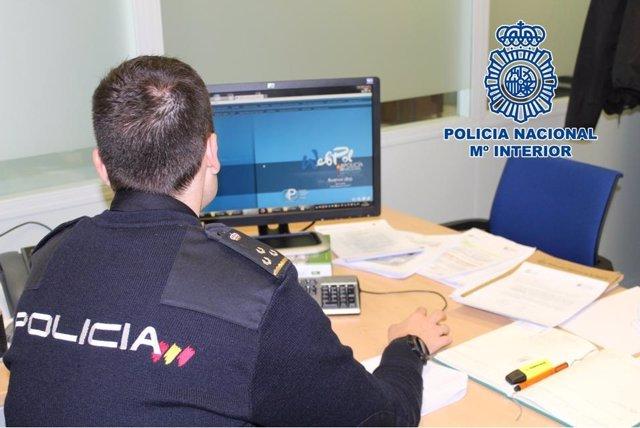Granada.- Sucesos.- Detenido un acusado de robos en dos establecimientos con su perro chihuahua