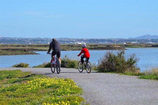 CádizAlDía.-Turismo.- La Diputación impulsa junto a Los Barrios el cicloturismo en el Campo de Gibraltar