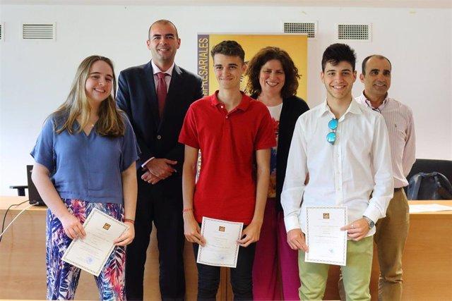 Sevilla.- Facultad de Ciencias Empresariales de la UPO entrega los premios de la VIII Olimpiada de Economía y Empresa