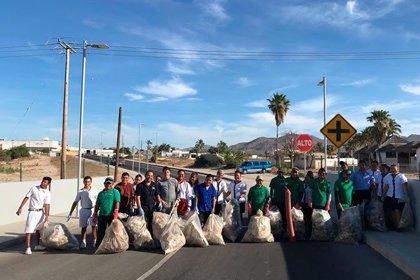 El equipo de RIU Hotels en Baja California retira 800 kilos de basura de Arroyo Seco para evitar que lleguen al mar