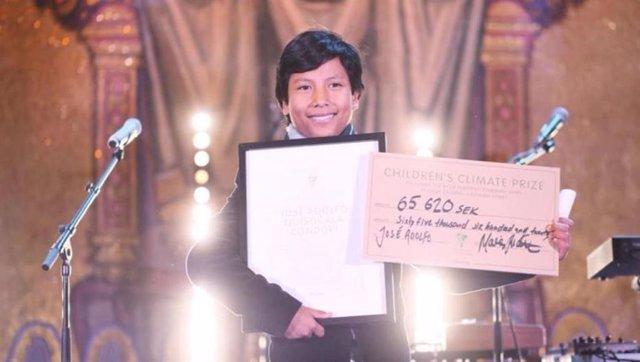 José Condori, el niño peruano fundador del primer banco ecológico que transforma los residuos en dinero