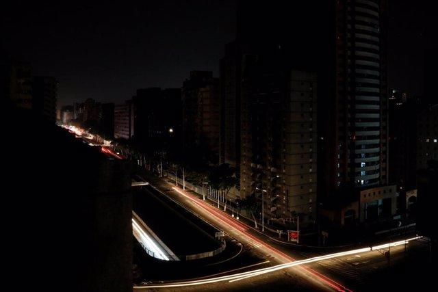 AMP.- Venezuela.- Al menos 20 estados de Venezuela están afectados por los apagones este domingo