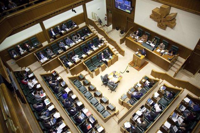 PP, EH Bildu y E-Podemos unen sus votos para reclamar la devolución de las primas por jubilación anticipada