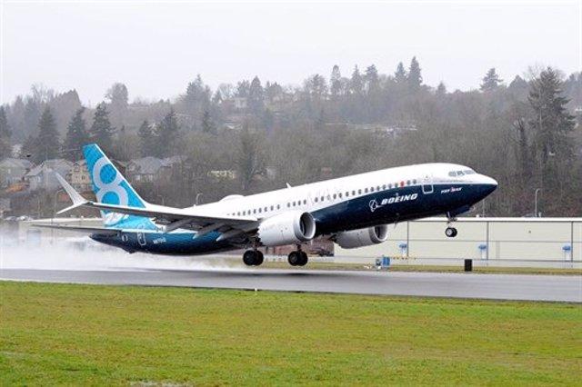 EUA.- Un Boeing 737 MAX de la companyia Southwest Airlines fa un aterratge d'emergncia a Orlando