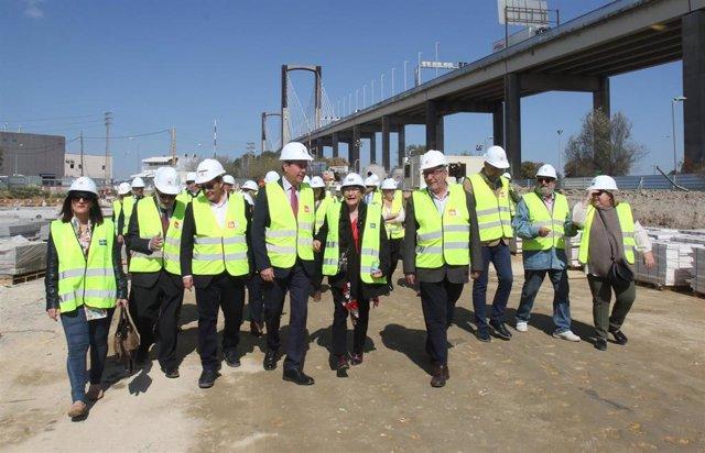 Sevilla.- Aprueban la colaboración público-privada para la nueva pasarela peatonal que une Palmas Altas con Heliópolis