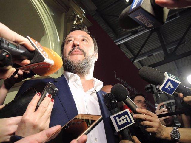 Italia.- Salvini, investigado de nuevo por el supuesto secuestro de inmigrantes