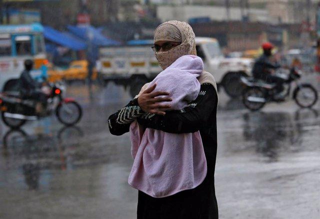 India.- Save the Children teme por la seguridad de casi medio millón de niños al paso del ciclón 'Fani' en India