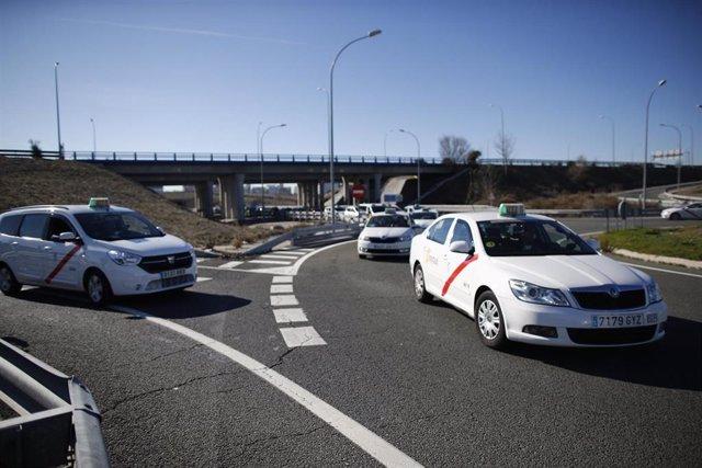 28A.- Un grupo de taxistas madrileños lucirán gratis publicidad electoral de Podemos en sus vehículos