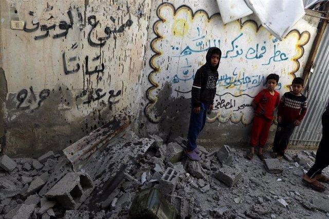 O.Próximo.- Abbas y Erekat condenan los bombardeos israelíes sobre Gaza y piden ayuda a la comunidad internacional