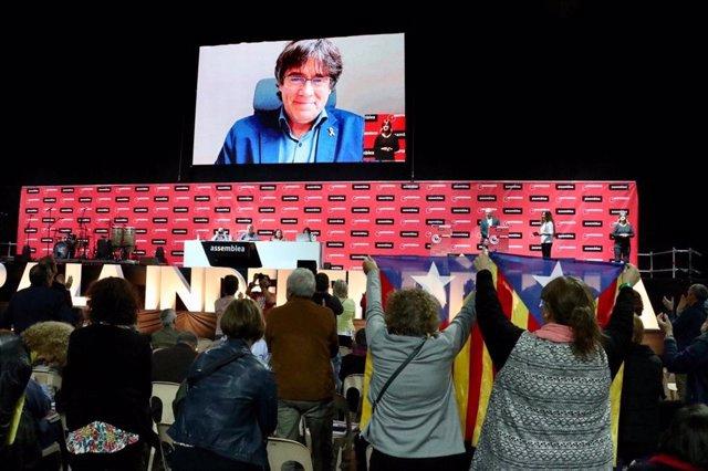 """Puigdemont: """"No podemos olvidar que somos hijos del 1 de octubre de 2017"""""""