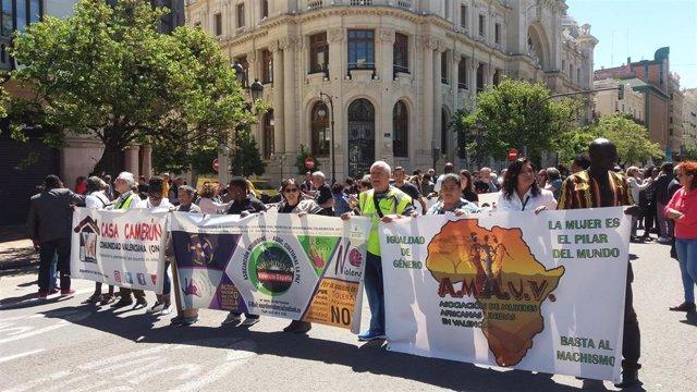 """Valencia.- La marcha 'El abrazo de los pueblos' pide que 'València Ciudad de Acogida' """"no quede en promesas y pancartas"""""""