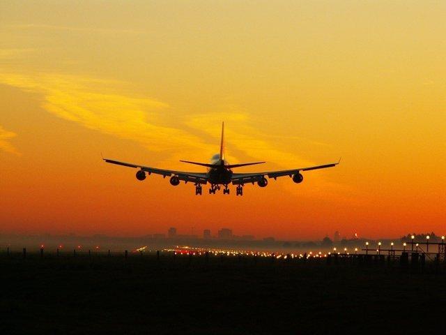Economía/Turismo.- El tráfico aéreo mundial de pasajeros aumentó un 5,3% en febrero, según la IATA