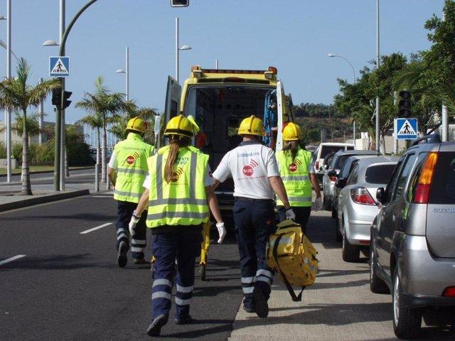 Sucesos.- Un peatón y un motorista resultan heridos en un accidente de tráfico en La Laguna (Tenerife)
