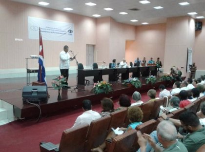 Cuba hace un llamamiento a la paz durante el Seminario por la Abolición de Bases Militares