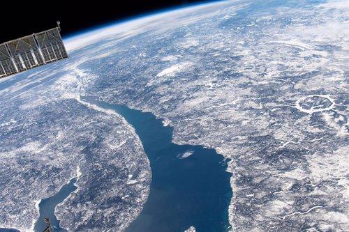 Agencias espaciales entrenan en caso de riesgo de impacto de un asteroide con la Tierra