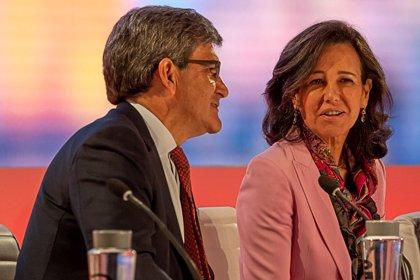 La reunión entre Santander y sindicatos para informar del ERE se retrasa al día 8 por problemas de agenda