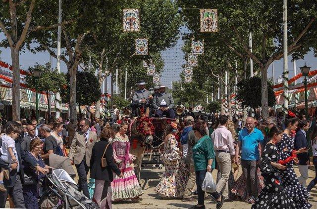 Feria de Abril 2019. Ambiente en el Real