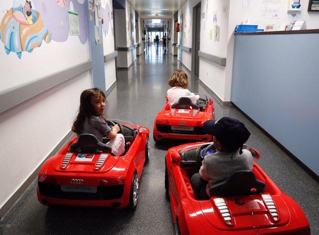 Madrid.- Los niños ingresados en los hospitales madrileños irán en coches eléctricos desde su habitación al quirófano