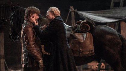 """Las estrellas de Juego de tronos analizan la polémica y """"desgarradora"""" decisión de Jaime Lannister"""