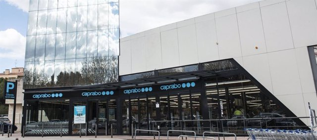 Agro.- Caprabo prossegueix la transformació de botigues de nova generació a Barcelona