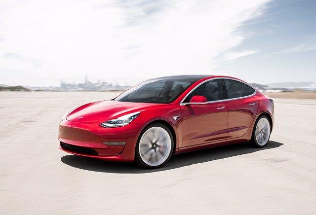 Tesla tria l'Automobile Barcelona per mostrar per primer vegada el nou Model 3 en un saló