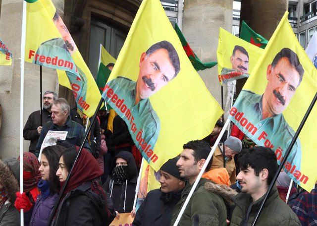 Kurds protest in London