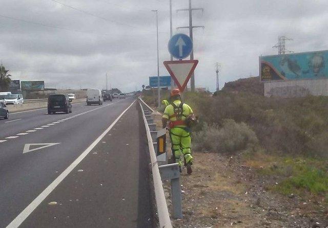 El Cabildo de Tenerife prorroga cuatro contratos de mantenimiento de carreteras por 9,1 millones