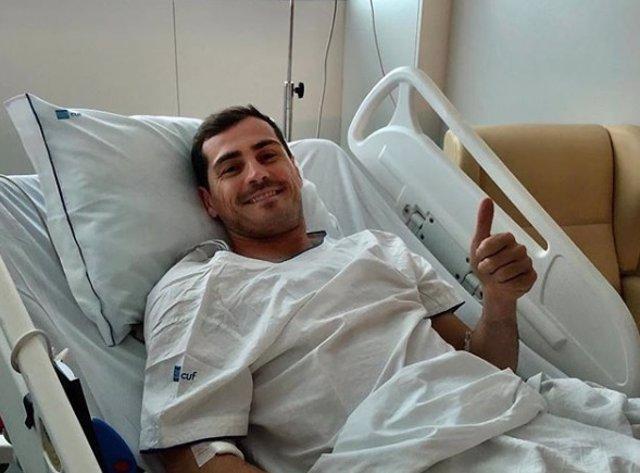 """Futbol.- Iker Casillas evoluciona """"favorablement"""" i abandona la UCI"""