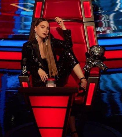 El exnovio de Belinda publicó fotos privadas de la cantante, según su representante