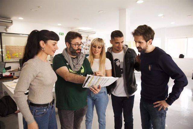 Comienza el rodaje de 'Operación Camarón', con Natalia de Molina y Julián López, en localizaciones de Sevilla y Cádiz