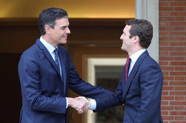 AMP.- Sánchez buscará al PP en temas de Estado y acuerda con Casado una comunicación permanente sobre Cataluña