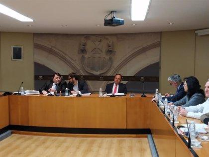 """Sanz: """"Mi presencia en esta comisión, que excede las competencias de este Parlamento, es voluntaria"""""""