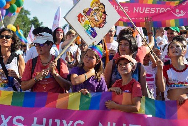 """Organizadores del Orgullo cargan contra """"LGTBIfobia"""" de Vox y no renunciarán a que Madrid sea """"referente de diversidad"""""""