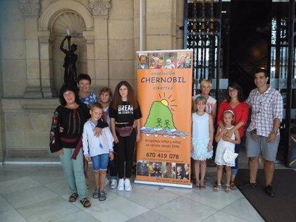 Chernobil Elkartea busca familias que acojan a tres niños ucraniamos que necesitan salir de un entono contaminado