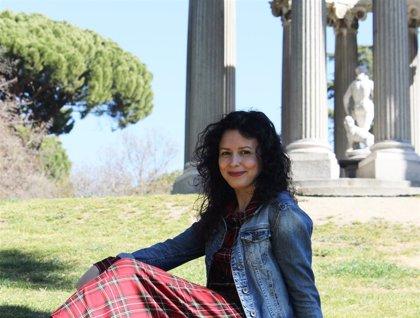 Raquel de la Morena publica su segunda novela '¿Quién diablos eres?', Premio Titania de Novela Romántica