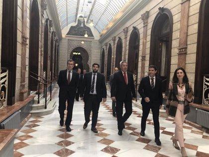 López Miras advierte que a nivel nacional ya se ve ese pacto entre PSOE y CS e insta a que en Murcia enseñen las cartas