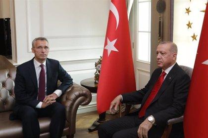 """Stoltenberg, preocupado por la compra de misiles rusos por Turquía: """"EEUU impondrá sanciones"""""""
