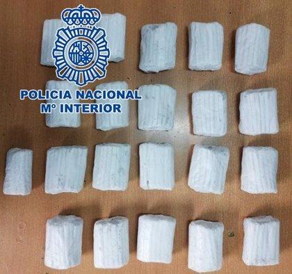Cuatro detenidos en Melilla, una mujer y tres hombres, por tráfico de drogas